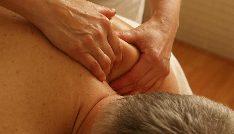 Man getting a massage | Paramedical Coverage | Benefits by Design